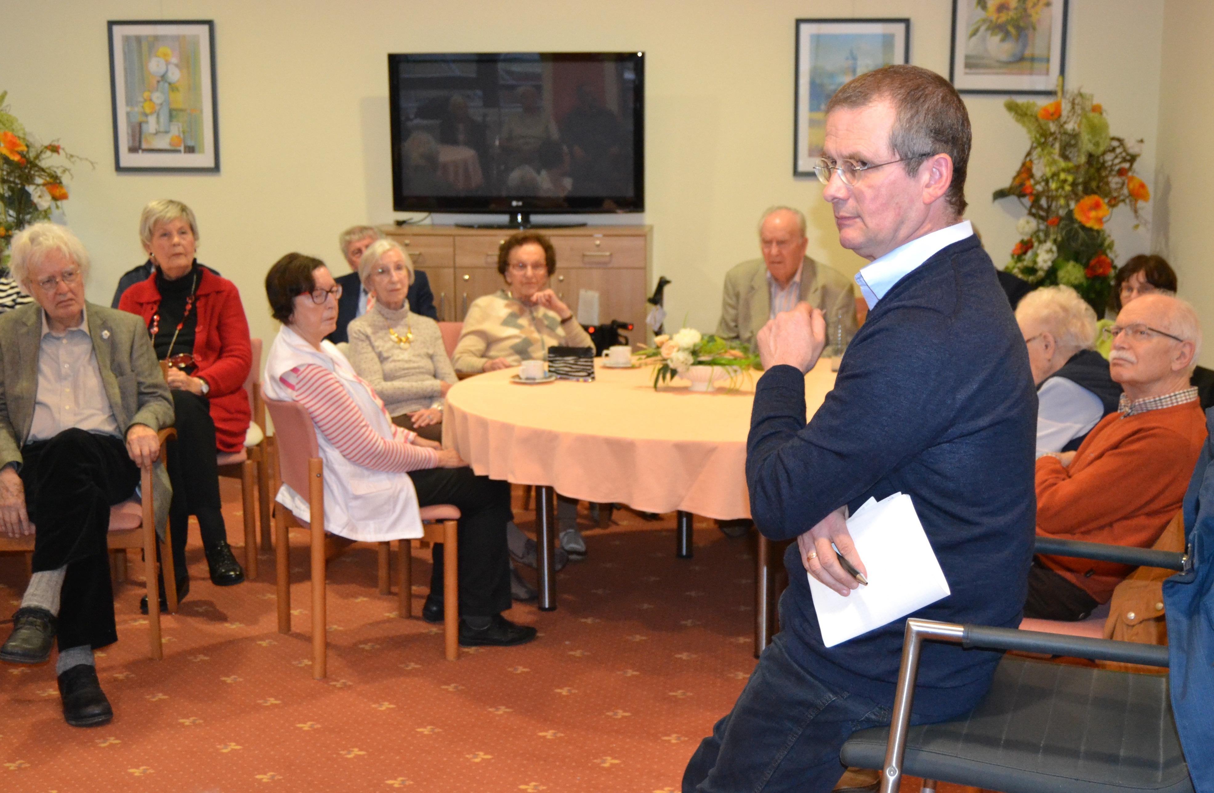 Nahrung für den Kopf – Philosophisches Café in der Residenz Humboldthöhe nahm Thema Langeweile in den Focus